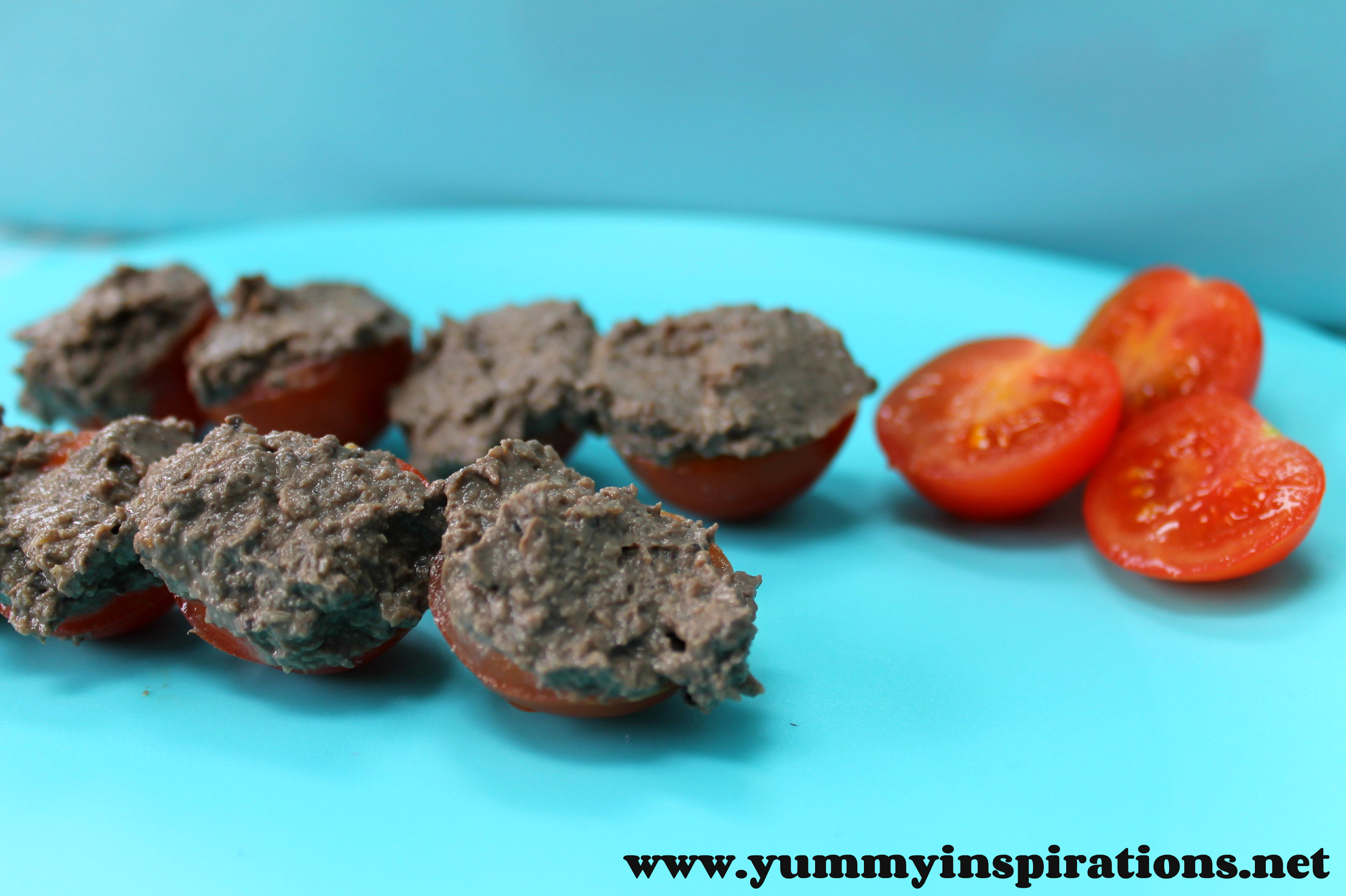 Chopped chicken liver pt a healthy kids snack idea yummy chicken liver pate on tomatoes forumfinder Image collections
