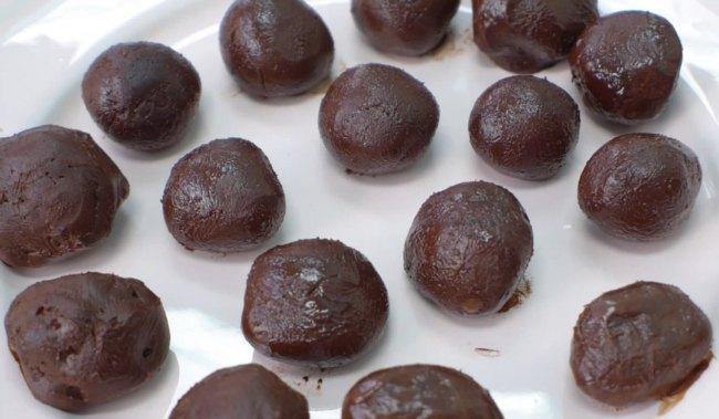 Keto Truffles on a plate