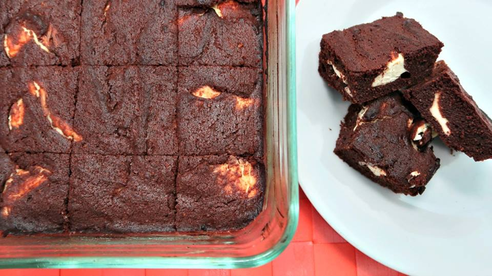 Keto Chocolate Cheesecake Brownies With Cream Cheese and Coconut Flour