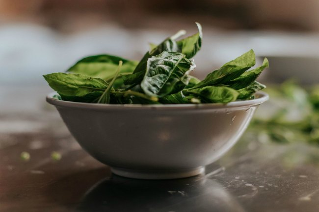 bowl of greens for low carb salad with tuna