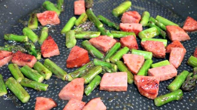 3 Low Carb Asparagus Breakfast Ideas - Keto Asparagus Recipes
