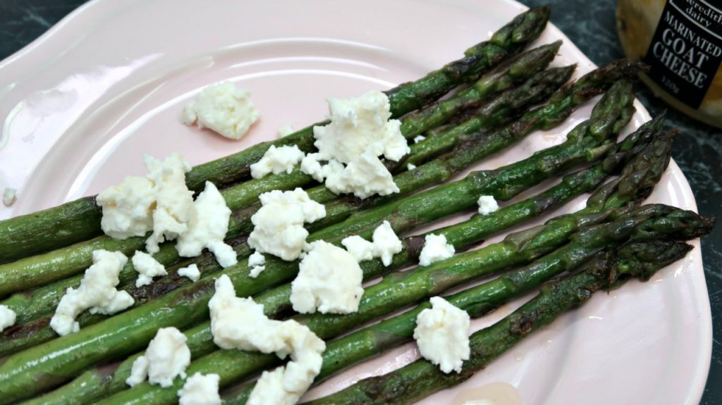Keto Sauteed Aspargus with Goat Cheese Feta