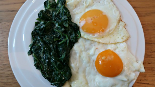 Fried eggs with keto creamed spinach as a side