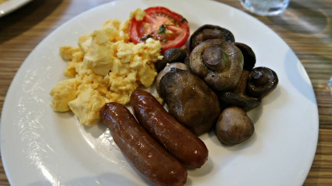 Low Carb Hotel Breakfast Buffet Options