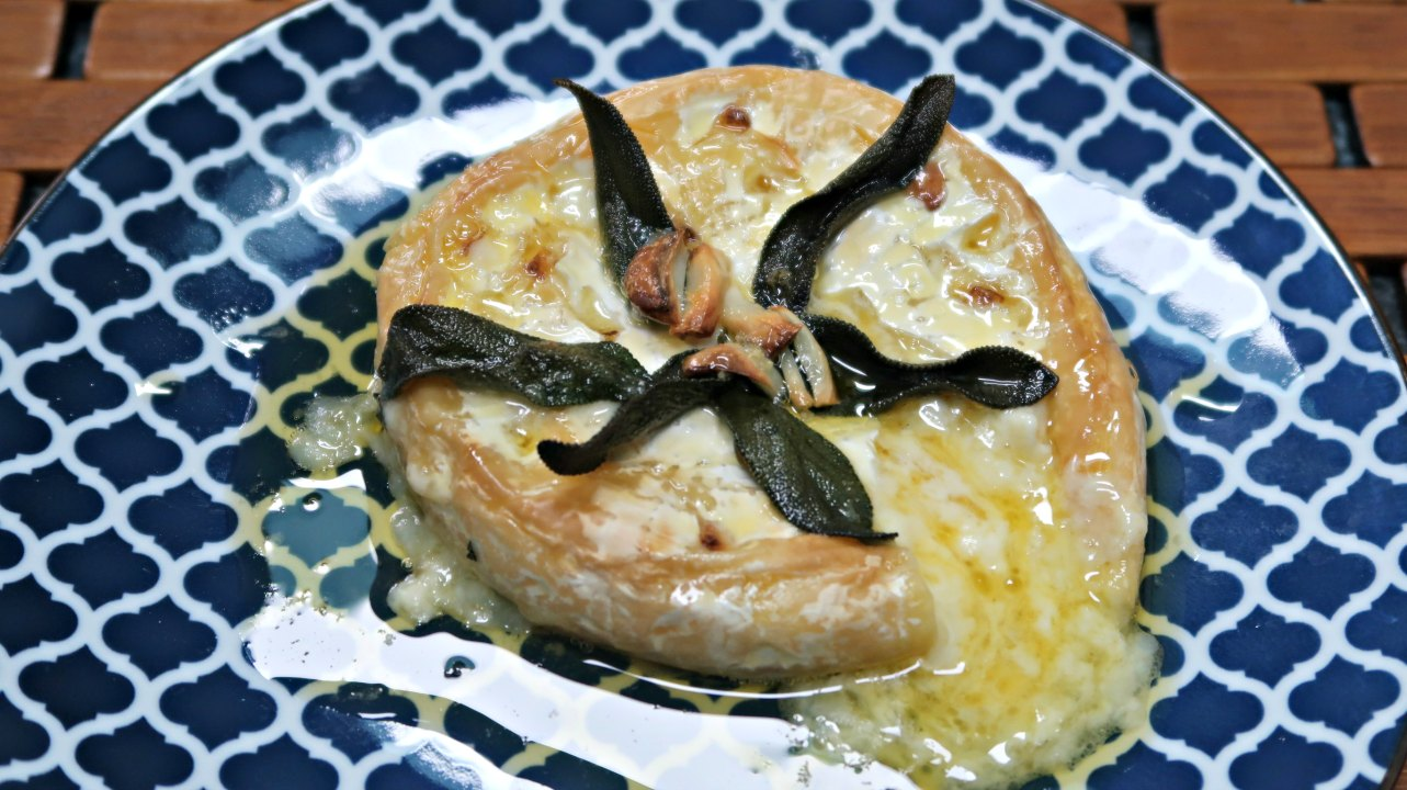Keto Christmas appetizers -baked brie