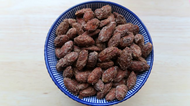 Cinnamon Roasted Almonds In a bowl