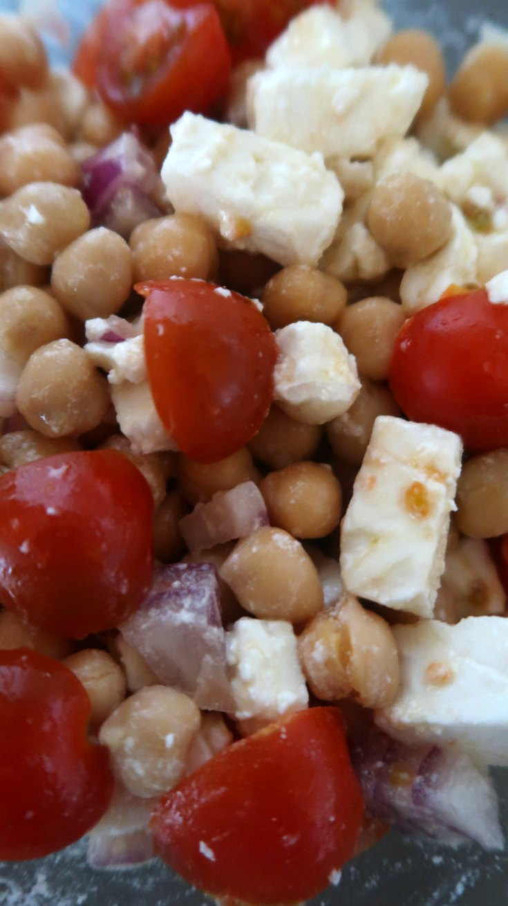 Easy Mediterranean Salad with chickpeas and feta