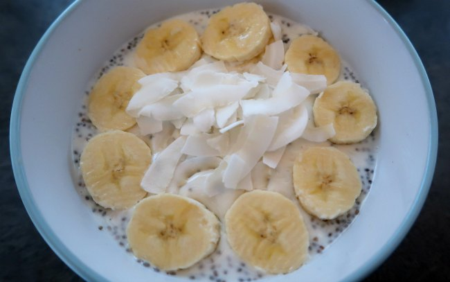 Healthy vegetarian breakfast idea - overnight oats