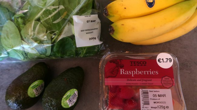 Vegetarian grocery shopping list - fruit and vegetables