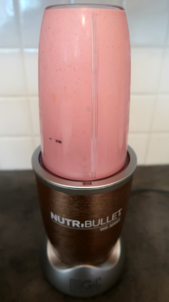 Low carb keto diet friendly yogurt smoothie with only 3 ingredients
