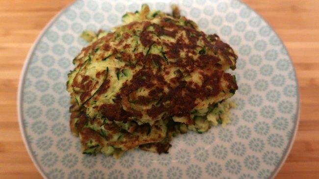 Cheesy keto zucchini fritters