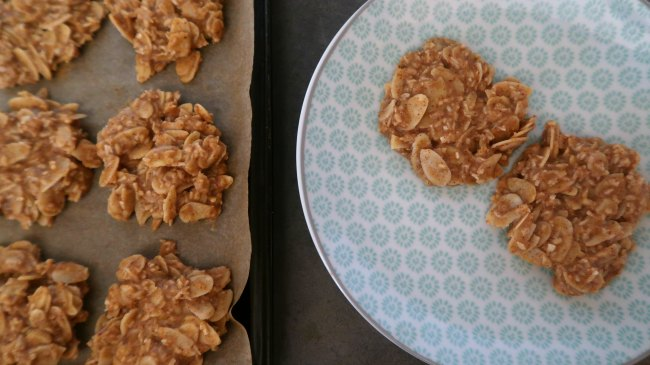 Easy low carb breakfast cookies