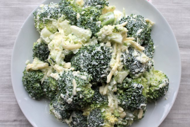 Easy low carb broccoli salad