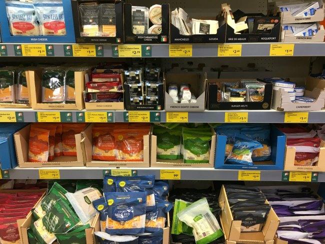 Produits laitiers à faible teneur en glucides à petit budget