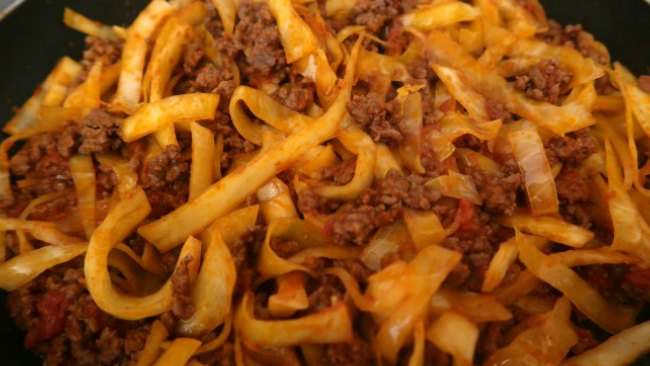 Low Carb spaghetti bolognese - keto comfort food recipes for dinner