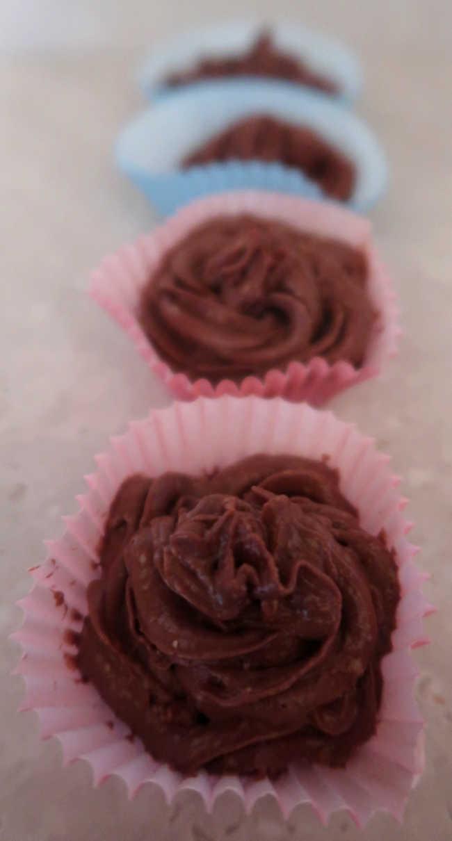 How to make easy chocolate keto sugar free frosting