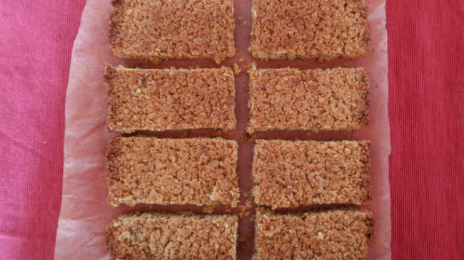 How to make 4 ingredient bars with oats