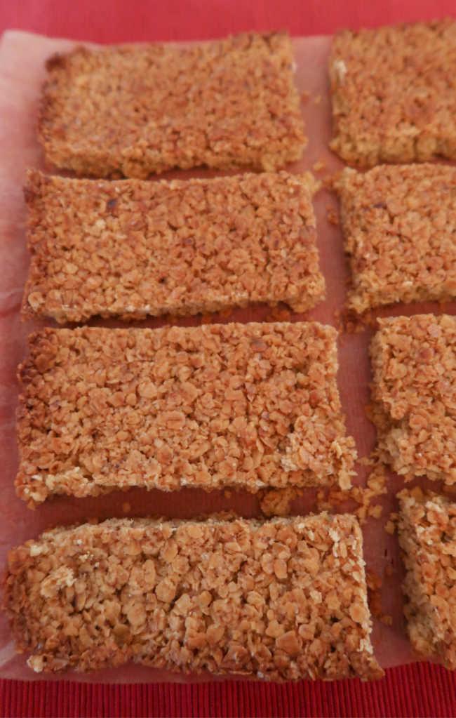 Simple 4 ingredient gluten free nut free school friendly homemade bars