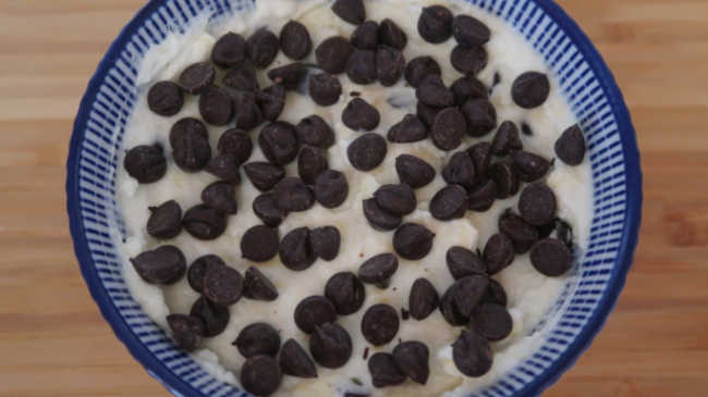 How to make easy cookie dough dip