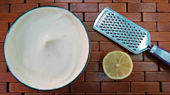 Low carb keto lemon desserts - mousse